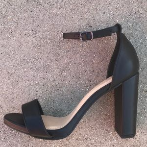 "Delicious Shoes - Delicious Basic Black ankle strap 3"" HEEL Sandal"